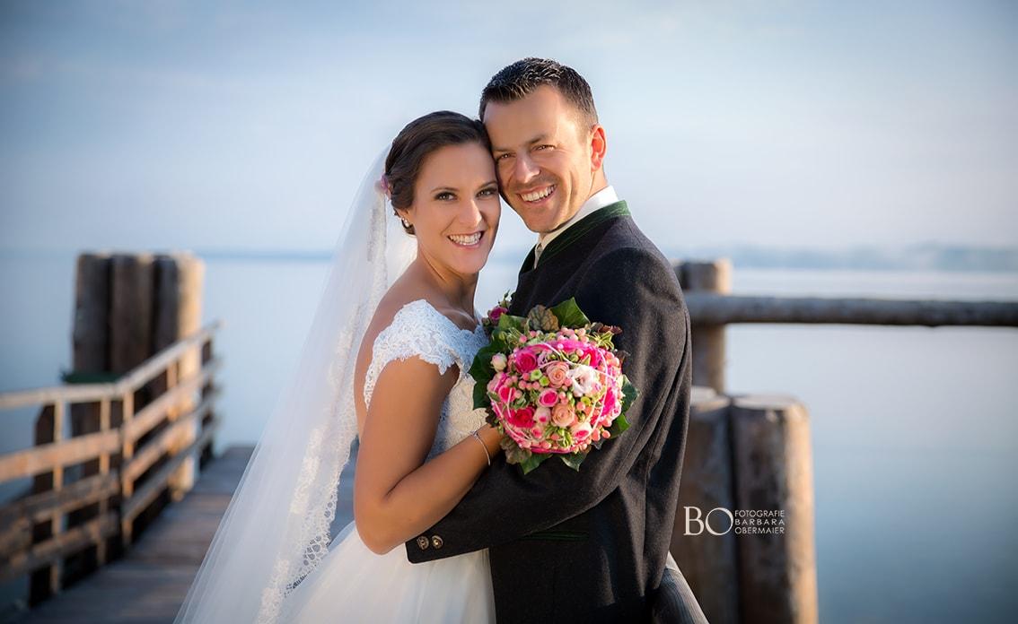 Brautstyling für weiße Hochzeit